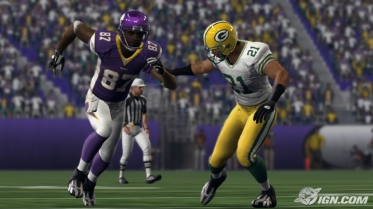 Charles Woodson (93 overall) covers Bernard Berrian in Madden 10.